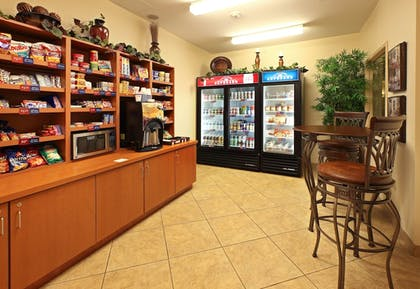 Snack Bar | Candlewood Suites Fayetteville – University of Arkansas