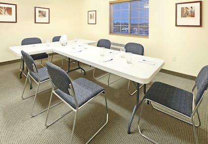 Meeting Facility | Candlewood Suites Fayetteville – University of Arkansas