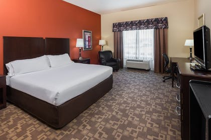 Guestroom | Holiday Inn Express & Suites Lexington Dtwn Area-Keenland