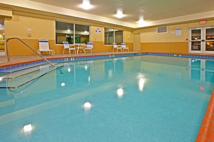 Pool | Holiday Inn Express & Suites Lexington Dtwn Area-Keenland