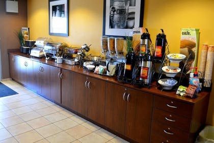 Breakfast Area | Microtel Inn and Suites by Wyndham Rawlins
