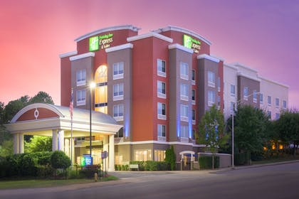 Featured Image | Holiday Inn Express Hotel & Suites Chattanooga Downtown