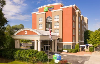 Exterior | Holiday Inn Express Hotel & Suites Chattanooga Downtown