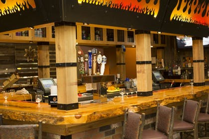 Hotel Bar | Great Wolf Lodge Grapevine