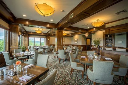 Dining | Grand Cascades Lodge