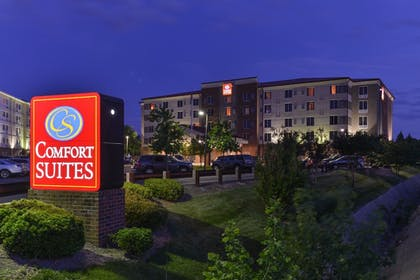 Hotel Front - Evening/Night | Comfort Suites At Virginia Center Commons