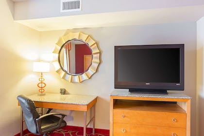Room | Comfort Suites At Virginia Center Commons
