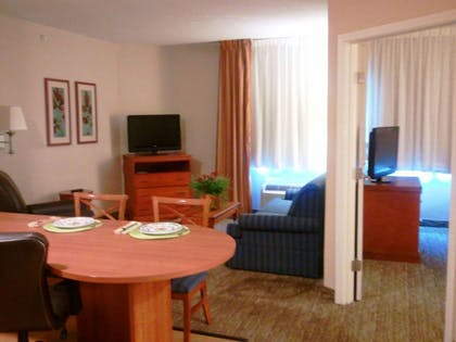 Living Area | Candlewood Suites Greenville NC