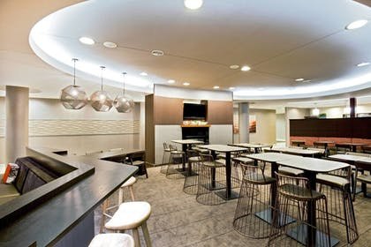 Restaurant | SpringHill Suites by Marriott Chesapeake Greenbrier