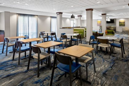 Breakfast Area | Fairfield Inn & Suites by Marriott Hobbs