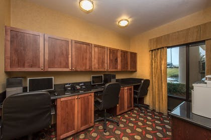 Business Center | Holiday Inn Express Hotel & Suites Lavonia
