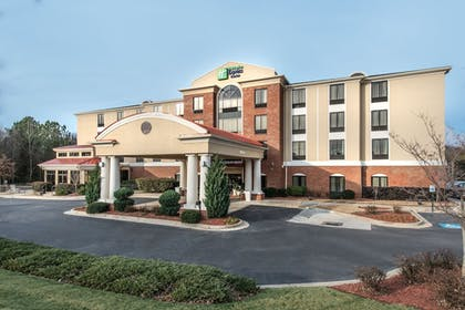 Exterior | Holiday Inn Express Hotel & Suites Lavonia