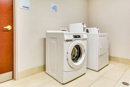 Laundry Room | Holiday Inn Express Vincennes