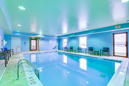 Pool | Holiday Inn Express Vincennes