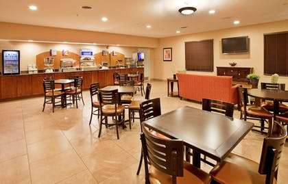 Restaurant | Holiday Inn Express & Suites Airport - Lincoln