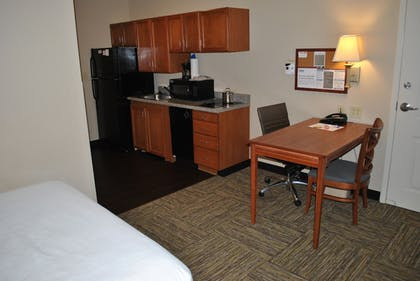 In-Room Kitchen   Candlewood Suites Colonial Heights Fort Lee