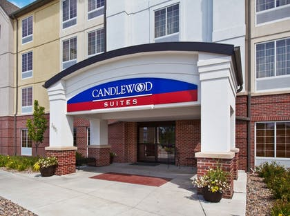 Exterior   Candlewood Suites Omaha Airport