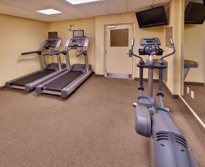 Fitness Facility   Candlewood Suites Omaha Airport