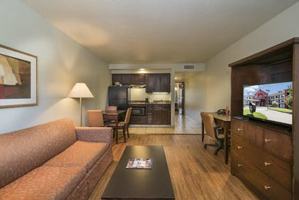 Living Area | Markham House Suites - Little Rock Medical Center