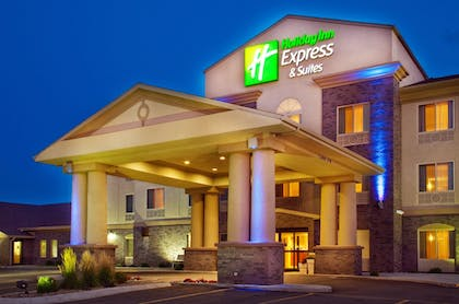 Exterior | Holiday Inn Express & Suites Sheldon
