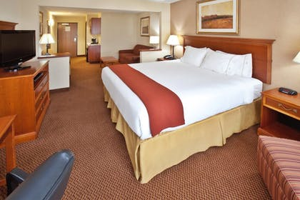 Room | Holiday Inn Express & Suites Sheldon