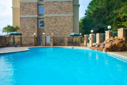 Pool   Holiday Inn Express & Suites Lufkin South