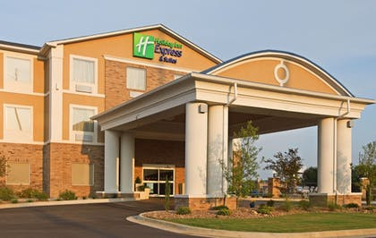 Exterior   Holiday Inn Express Hotel & Suites Clarksville