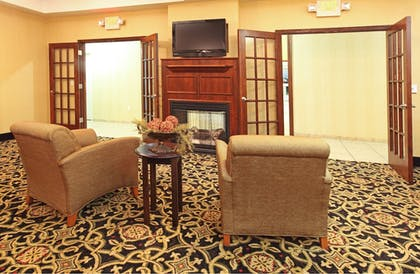 Lobby   Holiday Inn Express Hotel & Suites Clarksville