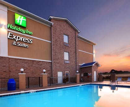 Featured Image   Holiday Inn Express Hotel & Suites Clarksville