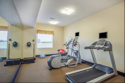 Fitness Facility   Holiday Inn Express Hotel & Suites Clarksville