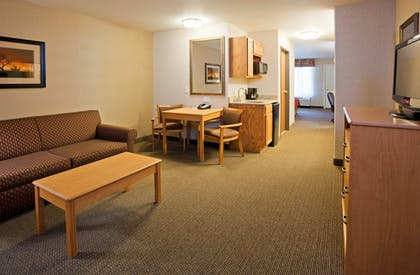 Room | Holiday Inn Express Hotel & Suites Custer
