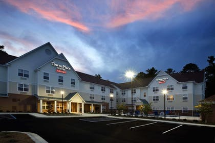Hotel Front - Evening/Night | TownePlace Suites by Marriott Columbus