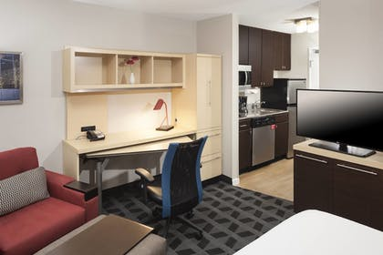Guestroom | TownePlace Suites by Marriott Columbus