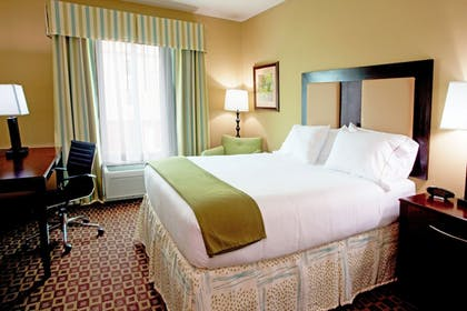 Guestroom | Holiday Inn Express Hotel and Suites Chaffee
