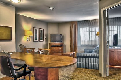 Guestroom | Candlewood Suites Indianapolis - South