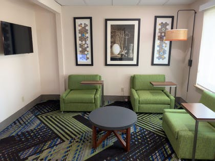 Living Area | Holiday Inn Express and Suites Exmore, Eastern Shore