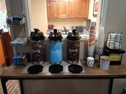 Coffee Service | Comfort Suites Eugene