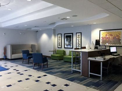 Lobby Sitting Area | Holiday Inn Express & Suites Austin NE - Hutto