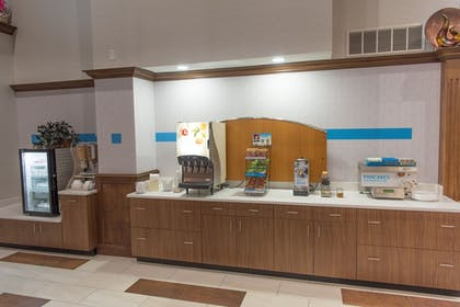 Breakfast buffet | Holiday Inn Express Hotel & Suites in North East (Erie)