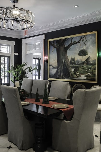 Breakfast Area | Royal Frenchmen Hotel and Bar