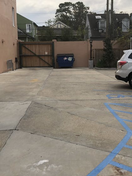 Parking | Royal Frenchmen Hotel and Bar