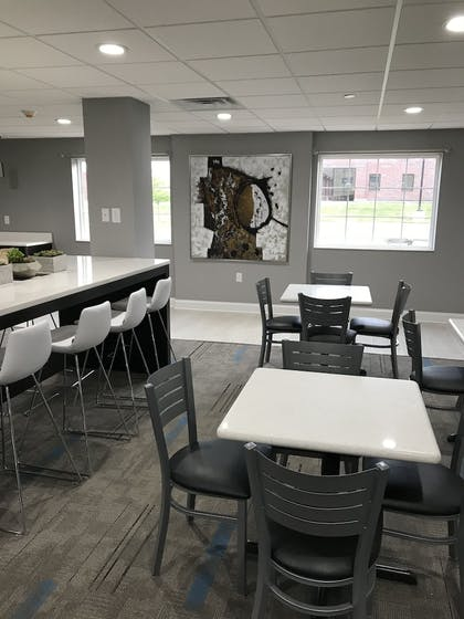 Breakfast Area   Home Inn and Suites