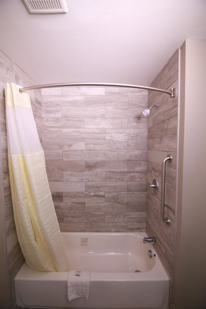 Bathroom Shower   Home Inn and Suites