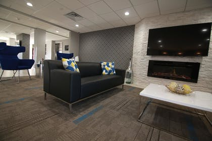 Lobby Sitting Area   Home Inn and Suites