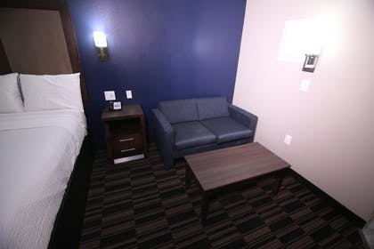 Guestroom   Home Inn and Suites