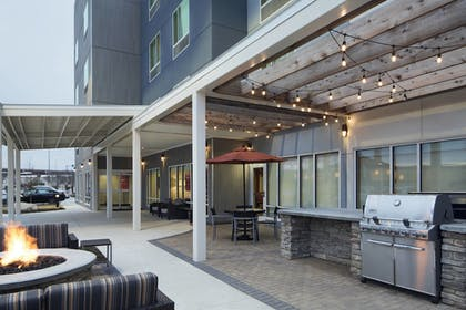 BBQ/Picnic Area | TownePlace Suites by Marriott Austin Round Rock