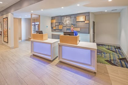 Lobby | Holiday Inn Express & Suites Indianapolis NW - Zionsville