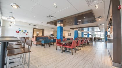 Restaurant | Holiday Inn Express & Suites-Dripping Springs - Austin Area