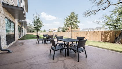 Outdoor Dining | Holiday Inn Express & Suites-Dripping Springs - Austin Area