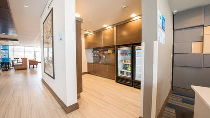 Snack Bar | Holiday Inn Express & Suites-Dripping Springs - Austin Area